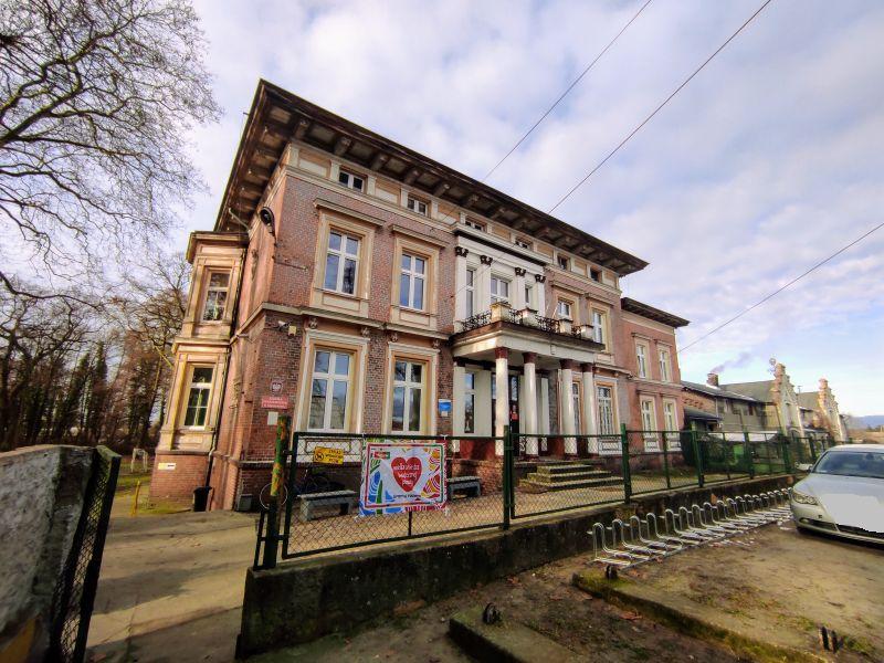 Pałac w Murzynowie