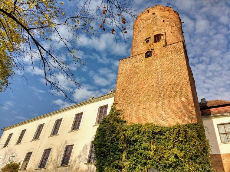 Zamek-w-Lagowie-3