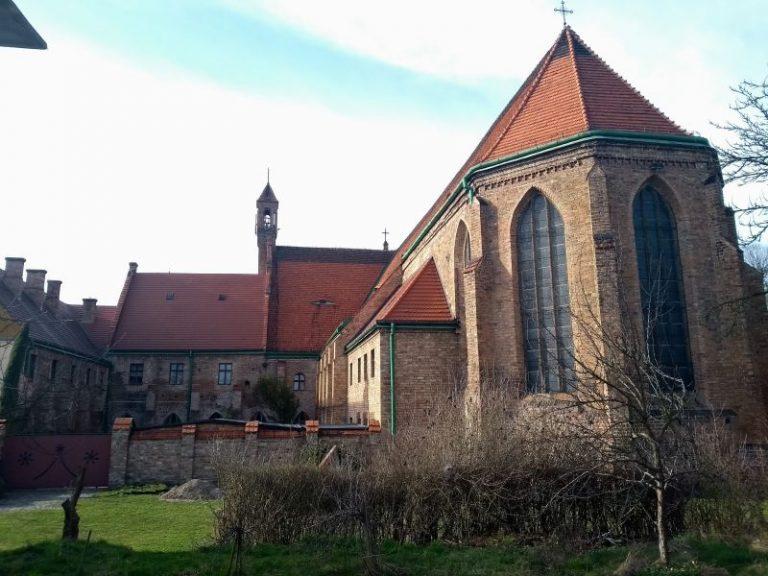 Klasztor poaugustiański i kościół św. Trójcyw Chojnie